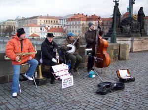 335599_street_musicians